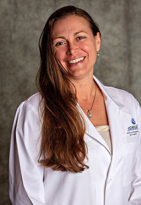 Dr. Martha Bennett is an emergency medicine veterinarian.