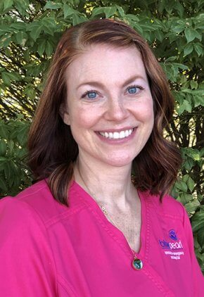 Alanna Mallory is a certified veterinary technician with specialty certification in internal medicine.