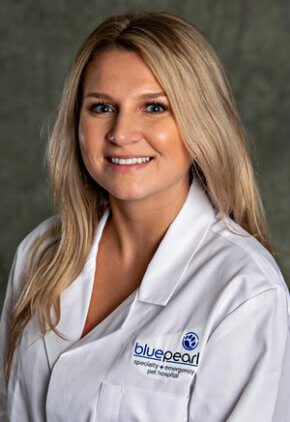 Dr. Michalina Kenig is a small animal medicine and surgery intern.