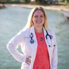 Dr. Kelly Deabold is a small animal medicine and surgery intern