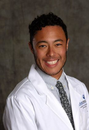 Dr. Julian Rivera is an intern in our avian and exotics service.