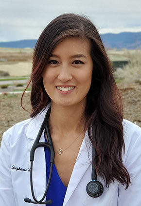 Dr. Stephanie Lo is an intern in our ophthalmology service.