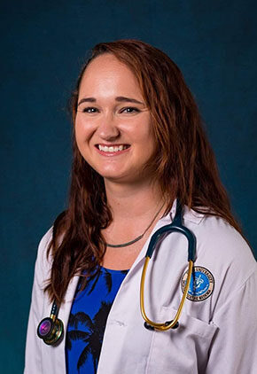 Dr. Alysha Reis is a clinician in our emergency medicine service.