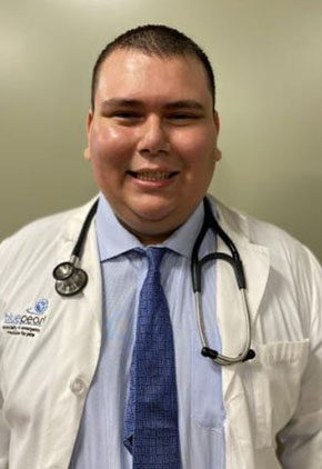 Dr. Jonathan Munoz is a clinician in our emergency medicine service.