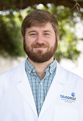 Dr. Jason Wolf is a veterinarian in our emergency medicine training program for clinicians.