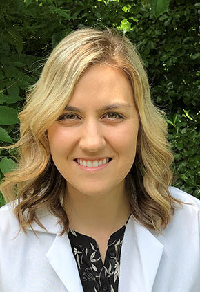Dr. Bailey Wright is a veterinarian in our emergency medicine training program for clinicians.