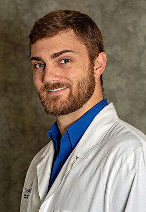 Dr. Evan Ducker is a clinician in our Radiation Oncology service.