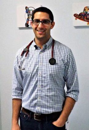 Dr. Christopher George is a veterinarian in our internal medicine service.