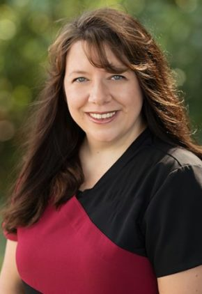 Dr. ROxanne Jacobson is a clinician in our emergency medicine service.