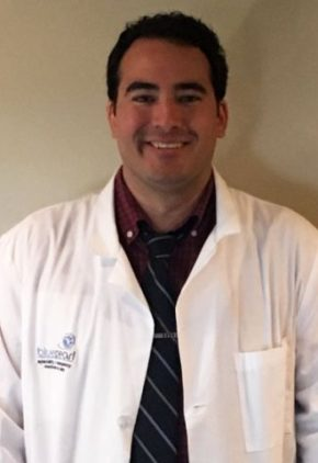 Dr. Marcos Llavona is a veterinarian in our surgery service.